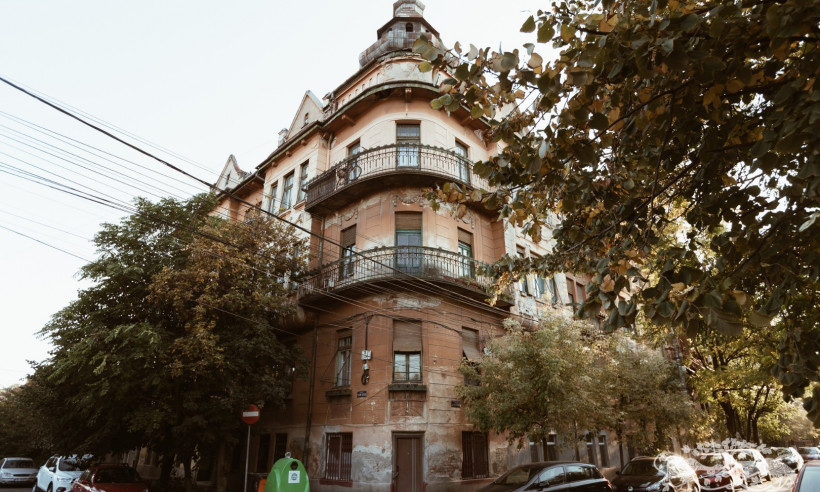 Adolf Hanecker Apartment Building
