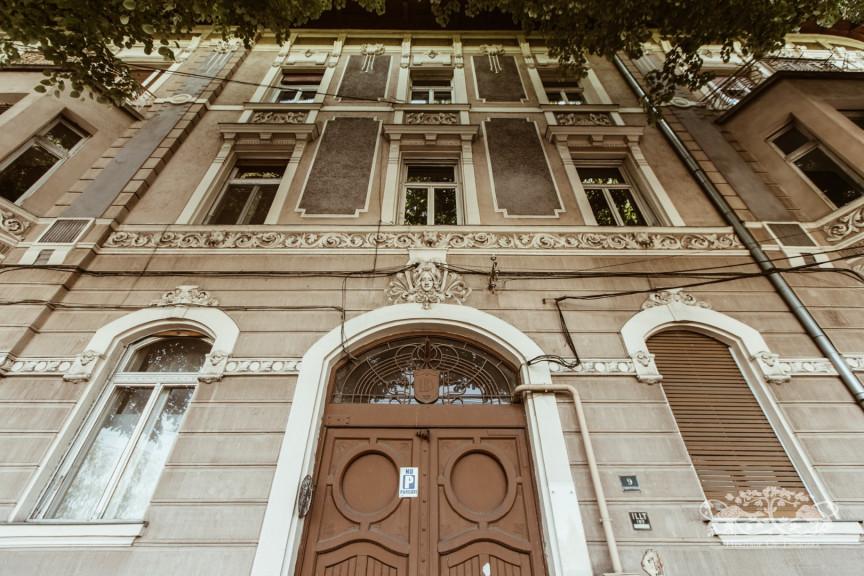Dezső Bécsi Apartment Building